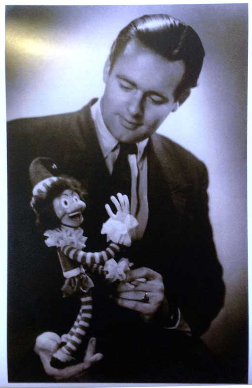 1945 - Joop Geesink posing with one of his very first pupppets.